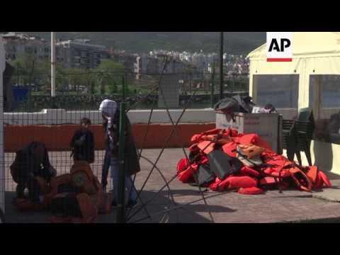 Turkey coast guard intercepts migrants at sea