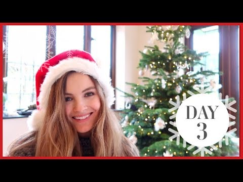 DECORATING THE CHRISTMAS TREE | Vlogmas #3