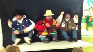 Repeat youtube video Funny Christmas Midget Dance