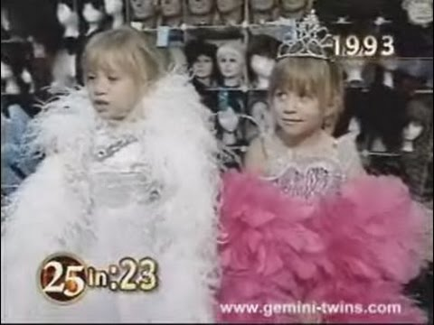 mary kate ashley olsen et shopping for halloween costumes 1993 - Mary Kate And Ashley Olsen Halloween