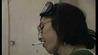 この16年後の同じ日、先立った仲間のたわごと 顔を隠した写真はビーフハ...
