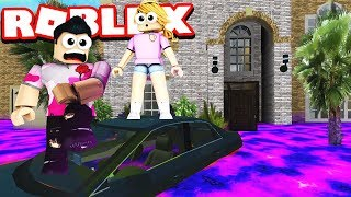 MY SISTER TRIES TO ESCAPE THE FLOOD.. (Roblox Flood Escape 2)
