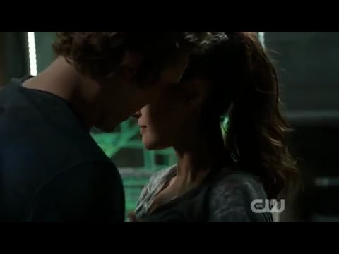 Wick The 100.Raven And Wick Almost Kiss The 100 2x14