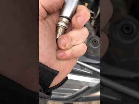 Замена свечей Кайрон 2.3 бензин
