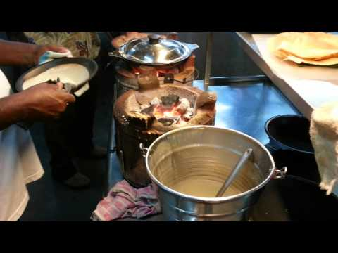 Apom Manis (sweet Indian Crepes)