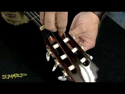 how-to-string-a-nylon-string-guitar-for-dummies