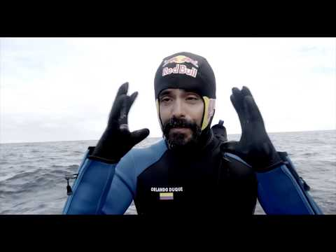 El clavadista Orlando Duque se le midió a saltar en la Antártida
