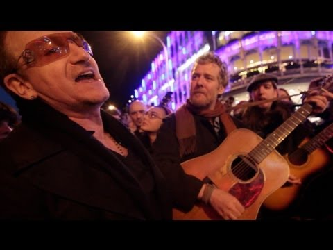 The Greatest Busk on Grafton Street :: Bono and Glen Hansard busking with friends