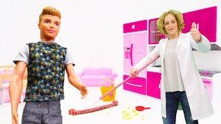 Nicoles Grüne Box - Wir helfen Ken beim Putzen - Spielzeugvideo für Kinder