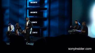 "Usher Performs ""Here I Stand"" Live At Sony"