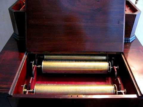 Multi cylinder music box