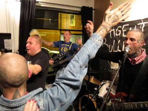 Agent Bulldogg - Oslo Skins (live in Oslo 11-10-2014)