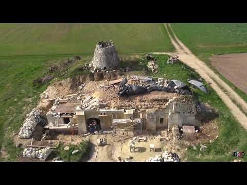 Les moulins d'Anjou filmés par un drone en vue aérienne
