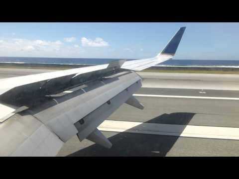 Landing at Majuro in a United B737