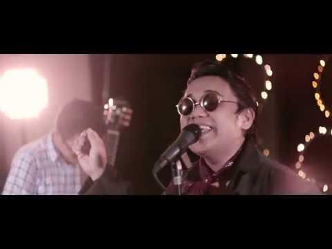 Frodo - Julia (Official Music Video)