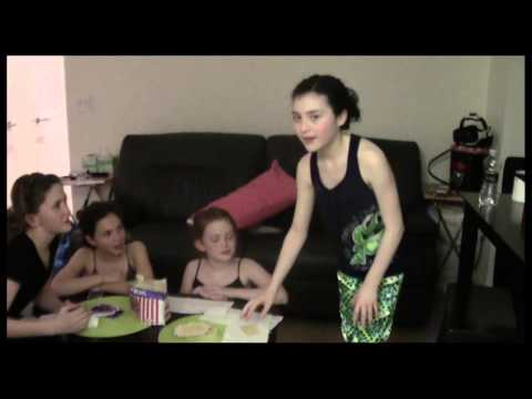 "Simply Red: Backstage At ""Annie"" With Lilla Crawford, Episode 2: Orphan Overload!"