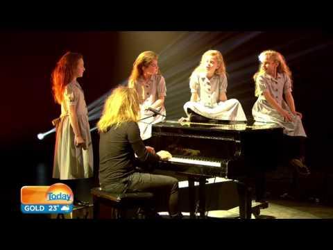 Tim Minchin and the Australian Matildas perform
