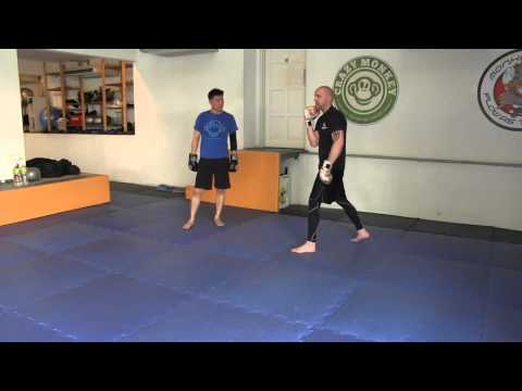 A CLASS IN SPARRING - THE CRAZY MONKEY WAY