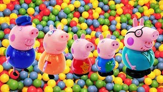 Peppa Pig videos. George, Mummy and Daddy Pig.