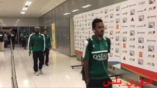 لحظة وصول لاعبي #الأهلي لملعب الجوهرة لمواجهة #الهلال في الجولة 10 من #دوري_جميل #دوري_بلس