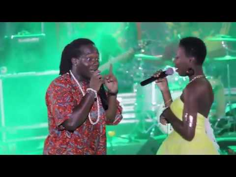 Concert live Prince Mo (Performance de JoElle) Palais des congrès de Lomé.