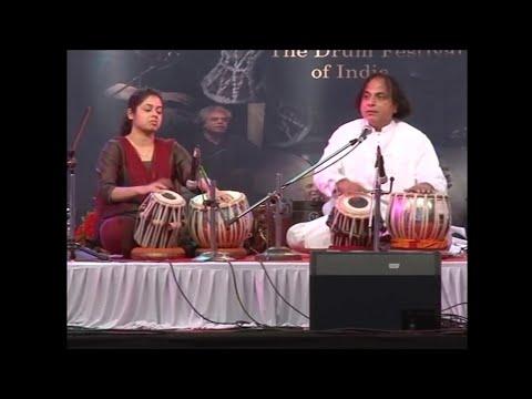 Taalyogi Pandit Suresh Talwalkar & Savani Talwalkar At Damru Festival