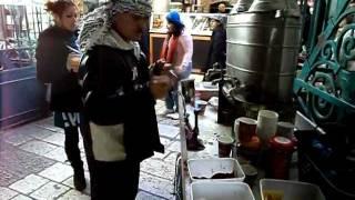 Стаканчик арабского кофе в Старом Городе(, 2012-02-25T19:07:13.000Z)