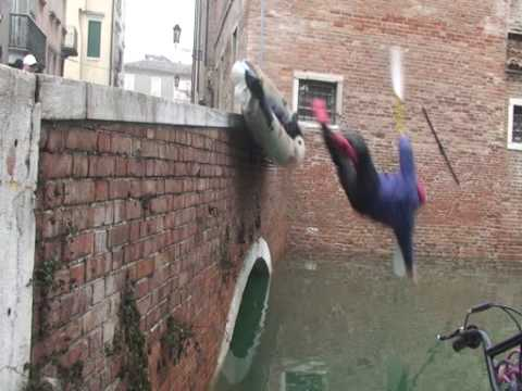 FENOMENO NATURALE (Acqua alta a chioggia 01/01/2010)