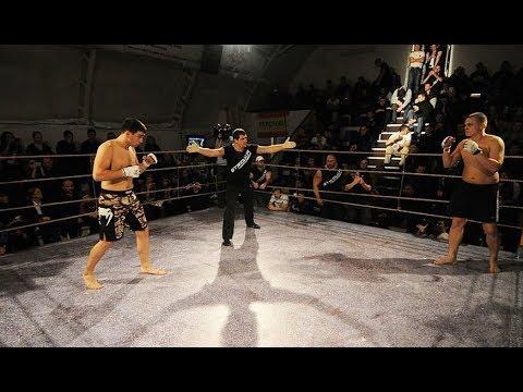 ARROWS Super Fight in BLACK HANGAR