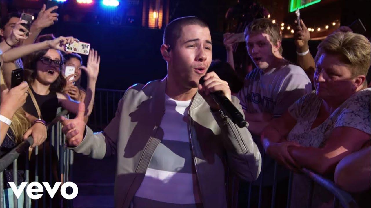 Download Nick Jonas - Close (Official Video)