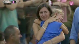Nadal s'arrête en plein match pour aider une maman à retrouver sa fille thumbnail