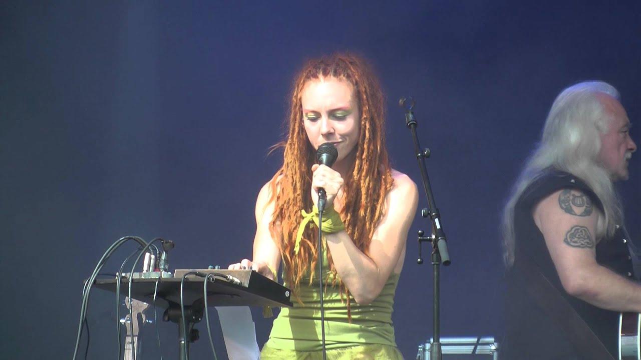 Euzen live at Castlefest 2012 - Faltered Fractions - YouTube