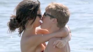 Justin Bieber &Selena Gomez _on the sea