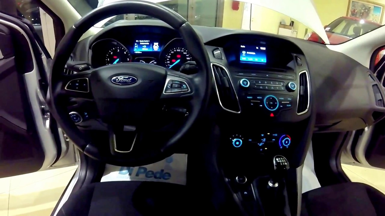 ford focus sw 1 5 tdci 120cv plus aziendale ford focus sw usato autosalone di pede matera. Black Bedroom Furniture Sets. Home Design Ideas
