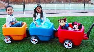 emma-and-lyndon-are-having-fun-with-step-2-wagon-toy