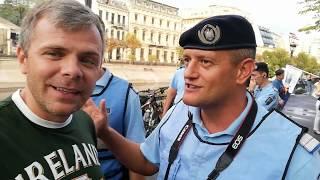 Jandarmul PeSeDist nu pricepe efectul de oglindă. Dialogul te lasă mască