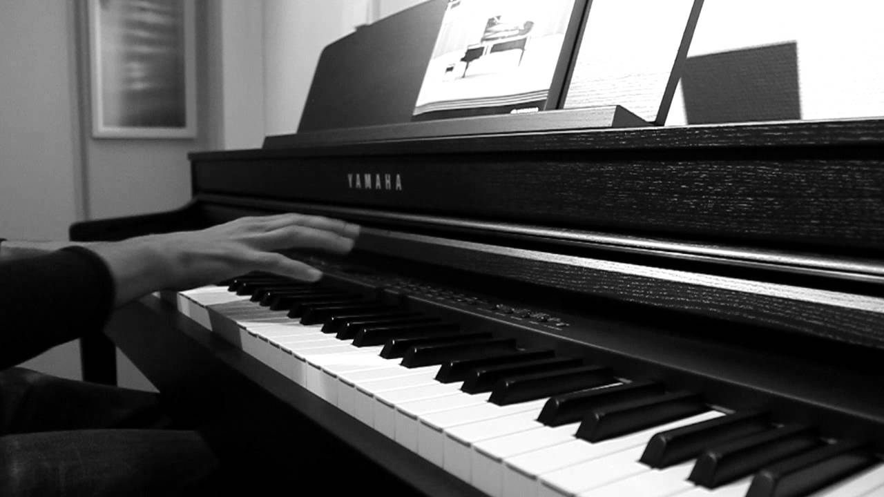 15 Easy Piano Solos That Sound Hard