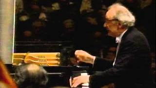 "ALFRED BRENDEL -BEETHOVEN PIANO COCERTO NO. 5 ""EMPEROR"" - MVT. 2 - PART 2/3"