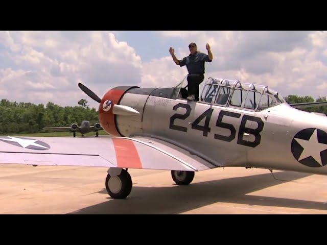 AT-6 Texan - Flight & FlyBys