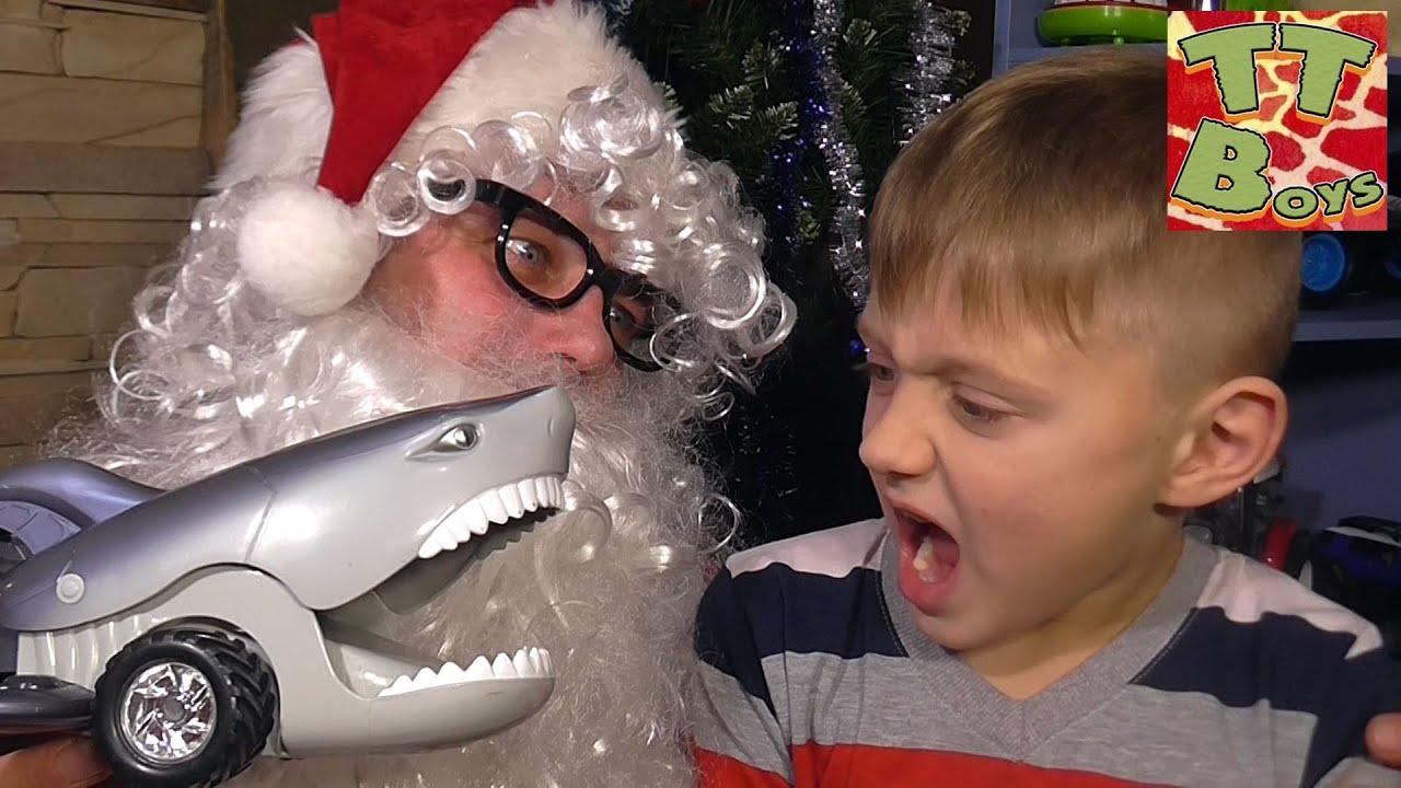 Подарок от Деда Мороза для Игорька Что в коробке? С Новым Годом! Видео для детей Tiki Taki