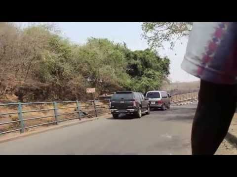 11102015 Zambia Zimbabwe Border crossing by bikeYT