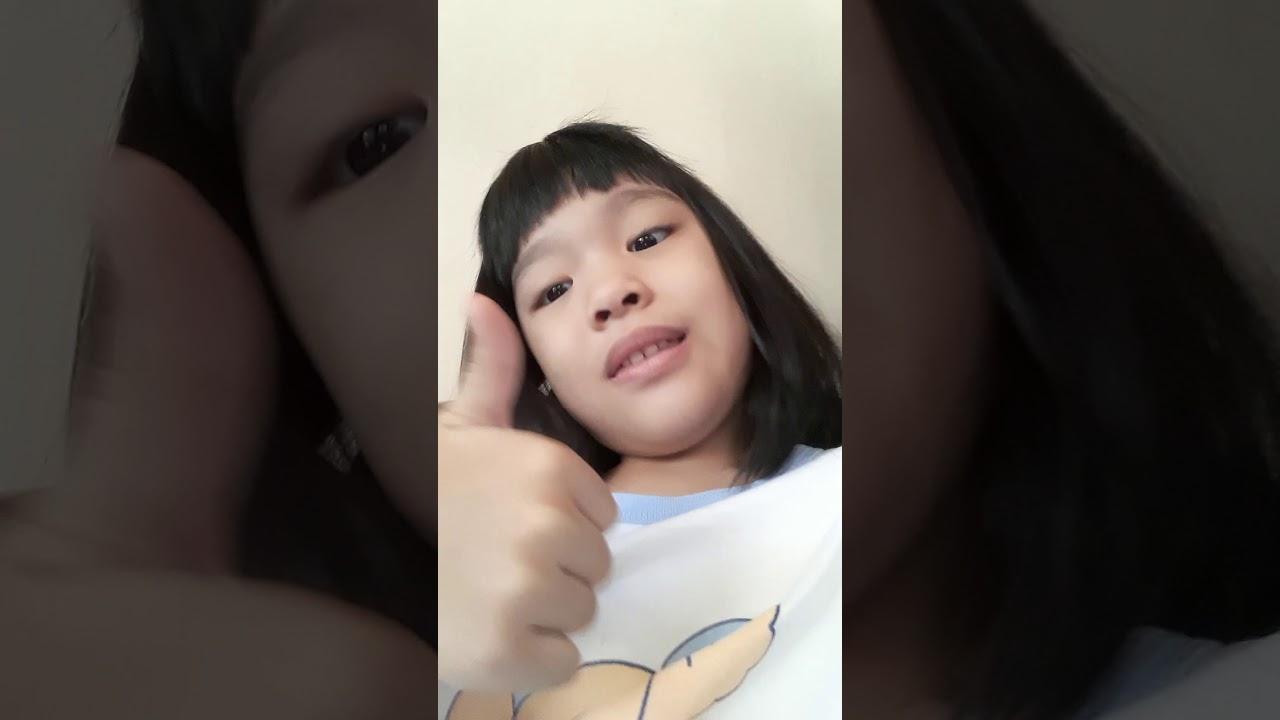 Hello guys hari ini aku mau bikin video bye bye hei