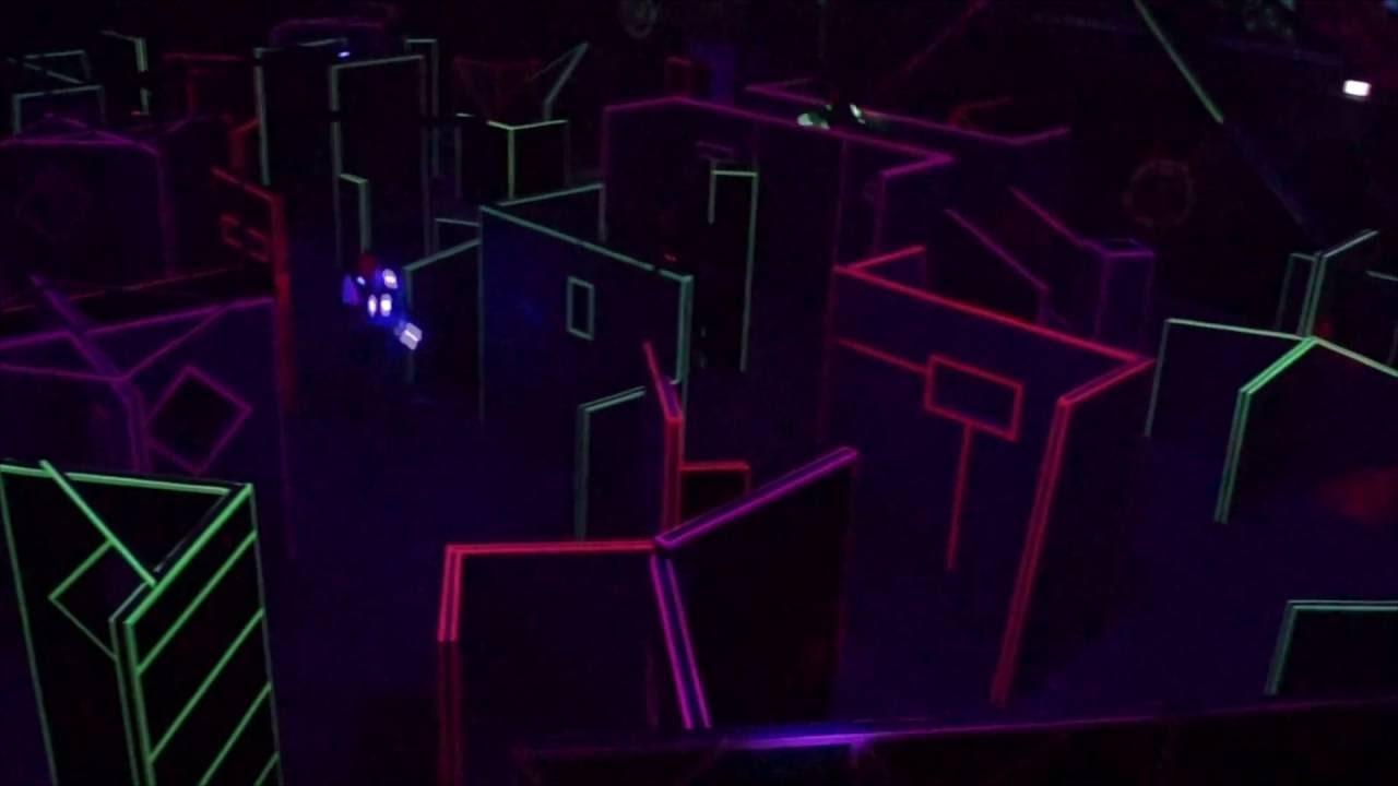 ein blick von der zuschauertrib ne bei lasertag evolution d sseldorf youtube. Black Bedroom Furniture Sets. Home Design Ideas