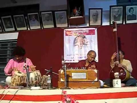 Raag-Mishra Pahadi Dhun, Taal-dadera