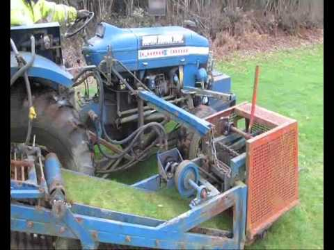 Brouwer Turf Harvester - How Is Turf Cut