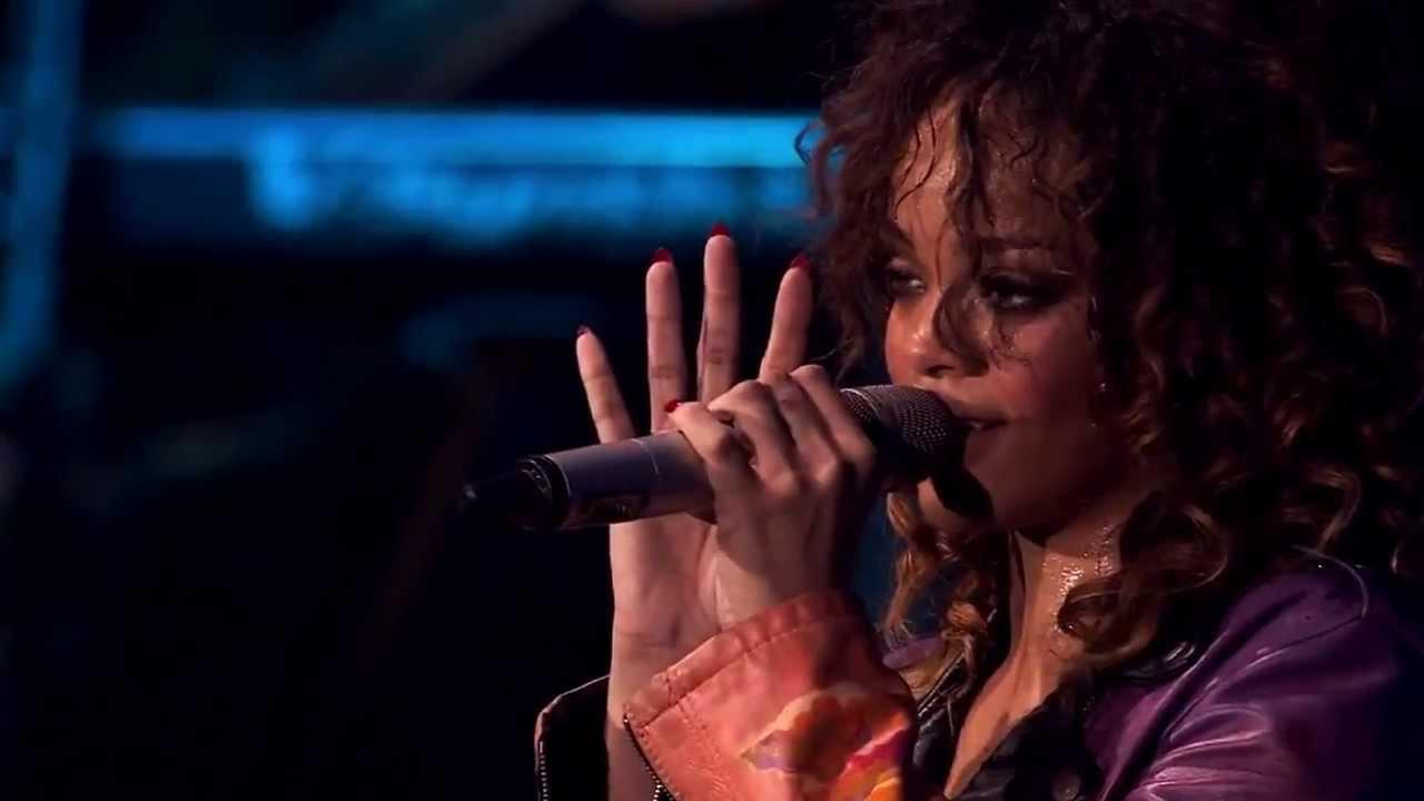 Rihanna budweiser gif on gifer by sarisar.