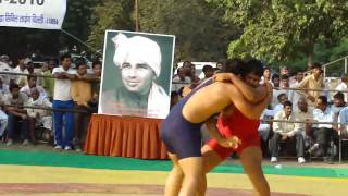 World champion wrestler sushil kumar came visiting , pays tribute to guru chandagi ramM4H03403.MP4