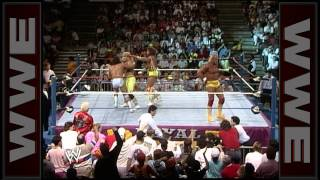 Hulk Hogan and Ultimate Warrior go toe-to-toe in the Royal Rumble Match: Royal Rumble 1990