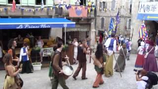 LES MEDIEVALES DE MONFLANQUIN (47) 2012 - Premier passage de la parade