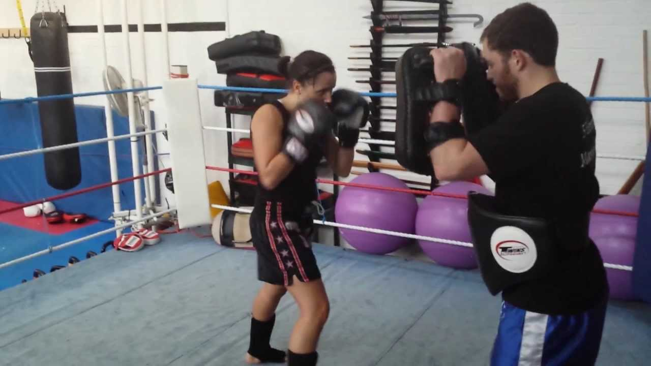 Working The Pads 5 Elements Martial Arts Basildon Es